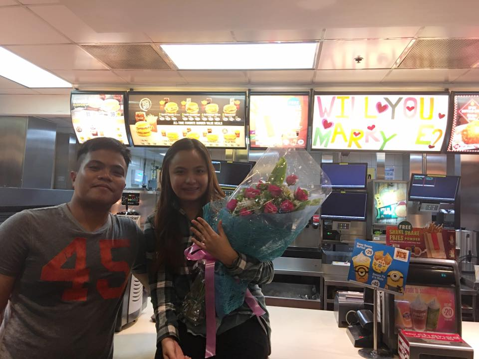 Man proposes to her girlfriend at McDonald's