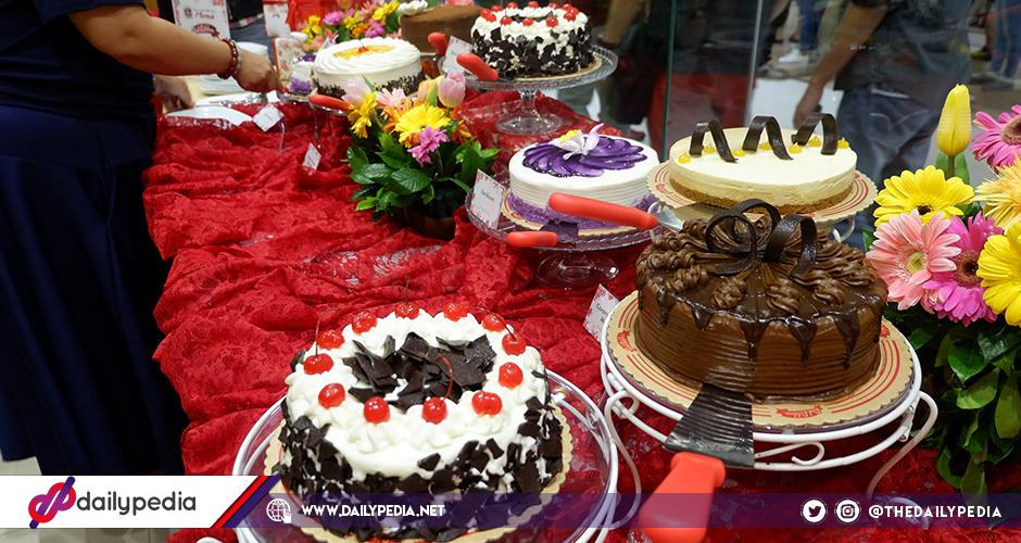 Red Ribbon Wraps Up Successful Cake Creations Buffet Bar Event On